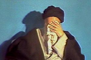 Est-ce l`Imam Khomeiny pense que pleurer et commémorer le deuil en la mémoire de l`Imam Hossein (as), organiser les assises à ce sujet ont –il contribué à préserver la religion depuis 14 siècles jusqu`à présent ? Pour quelle raison ?