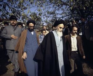 L`émigration de Son excellence Imam Khomeiny en France (le 5 octobre)