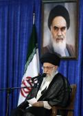 La présence du Guide suprême de la révolution à la cérémonie de commémoration de l`Imam Khomeini