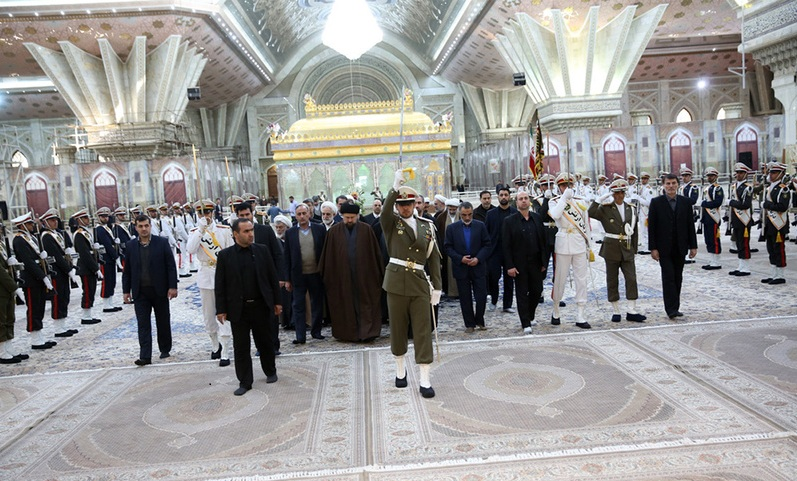 Le renouvellement de l`alliance du pouvoir judiciaire et d`un groupe de hauts fonctionnaires de la justice avec les idéaux du défunt Imam Khomeini en présence de sa relique