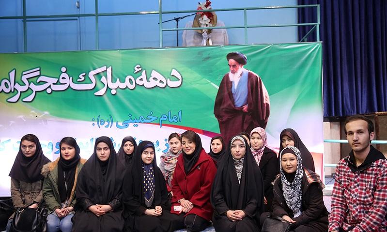 visite d`un groupe d`étudiants étrangers en Langue Persane de la maison de l`Imam à Jamaran