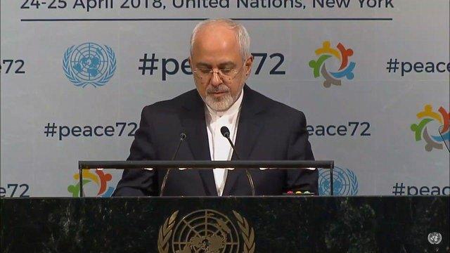 Zarif: L`Iran défend toujours un dialogue régional