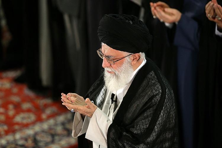 La prière de l`Eid el Fitr a été dirigée par l`ayatollah Khamenei