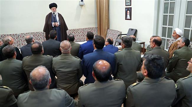 Les commandants de l'armée reçus par l'Ayatollah Khamenei
