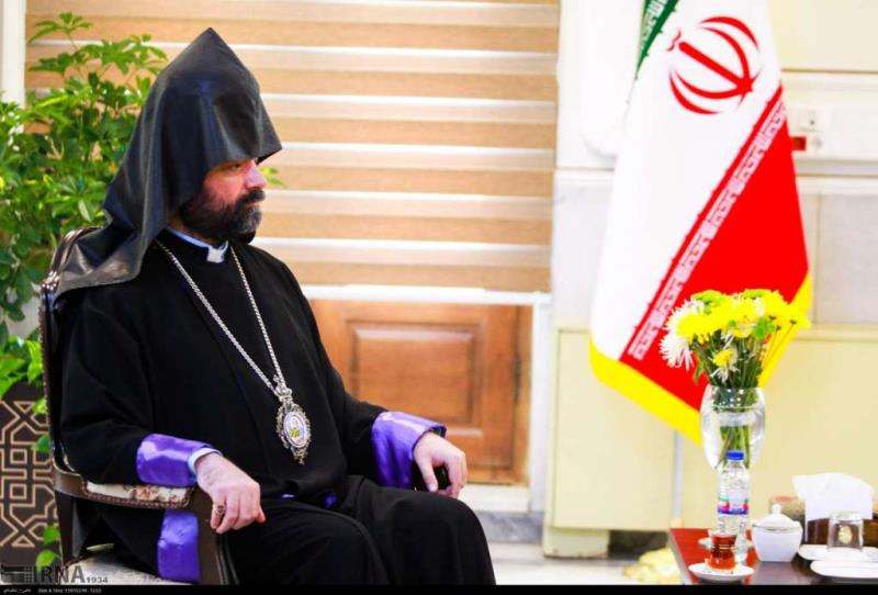 L'archevêque arménien en Iran condamne les initiatives du président américain