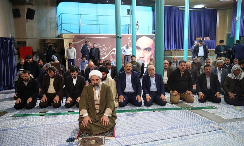 Visite collective des responsables éminents des Moukebs en Iraq de la maison de l`Imam Khomeini à Jamaran