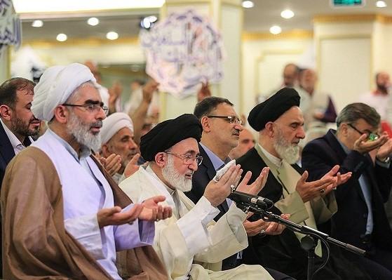 Les pèlerins iraniens ont récité la doua de Kumayl à Médine