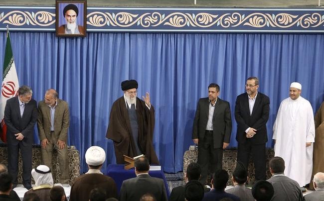 Le Guide suprême de l`Iran exhorte les musulmans à s`opposer aux Etats-Unis