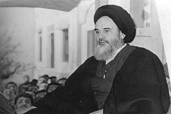Quelle était la première chose que l'Imam s'est procuré à son arrivée en Turquie ?