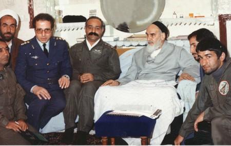 La première réaction de l'Imam Khomeiny  après l'agression de l'Iran par l'Irak