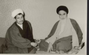 L`attitude de l'épouse de l'imam Khomeiny (paix à son âme) après l'adoption de la résolution et la fin de la guerre imposée à l'Iran.