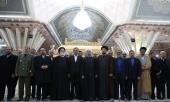 Le renouvellement de l`alliance du Président et des membres du cabinet avec les idéaux du défunt Imam Khomeini