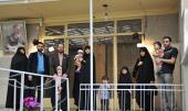 Visite des touristes de Norooz de la maison de l`Imam Khomeini à Jamaran