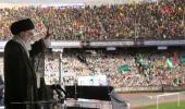 Présence et discours du guide suprême de la révolution au stade d'Azadi
