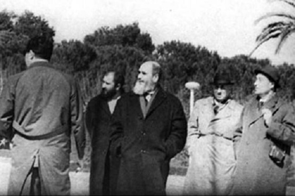 L'exil de l'Imam Khomeiny (paix à son âme) en Turquie.