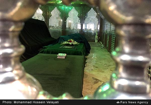 Histoire de trouver le lieu d'enterrement de l`Imam Khomeini (Que Dieu le bénisse)