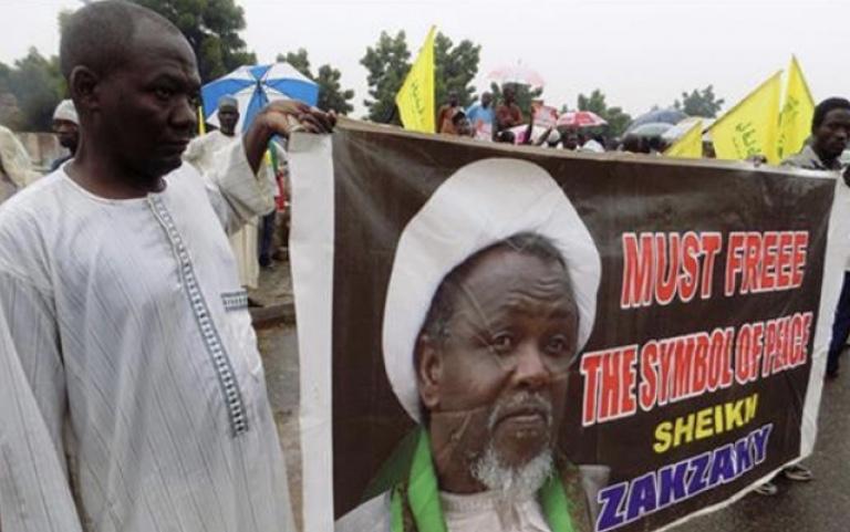 Après 2 ans de détention, le cheikh Zakzaki parle aux journalistes