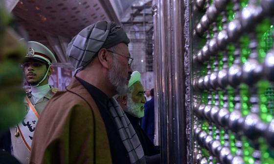 L'hommage rendu par le président du conseil supérieur de la paix en Afghanistan au grade de l'Imam Khomeiny