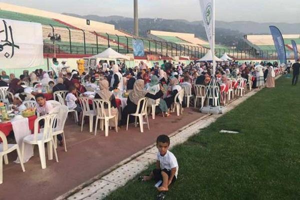 Organisation du plus grand Iftar au monde, en Algérie