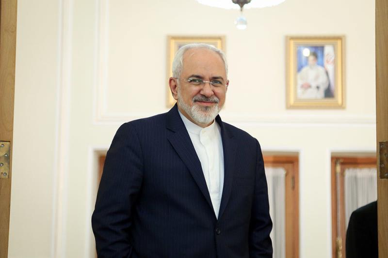 Zarif insiste sur l'expansion des relations économiques Téhéran-Dakar