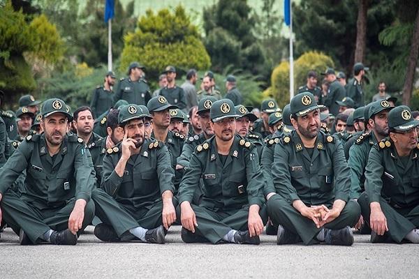 "L`Imam Khomeini: ""Le groupe plus attaqué, sera plus utile pour la nation."""
