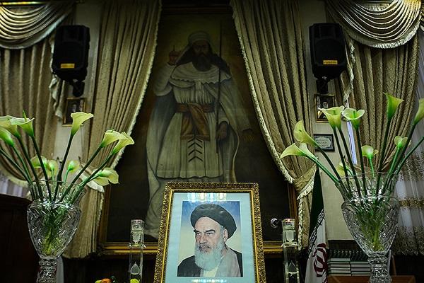 Cérémonie de la commémoration du décès de l'imam Khomeini par les minorités religieuses