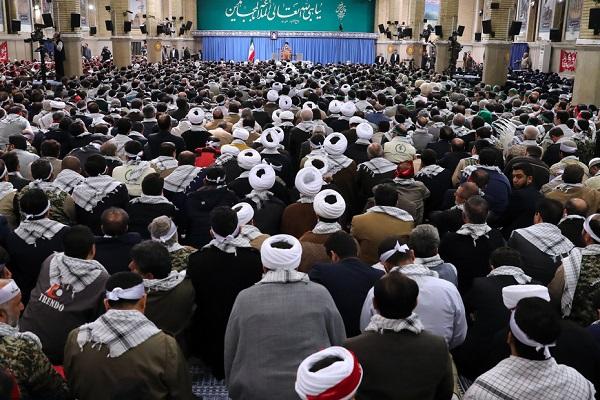 Rencontre des Basijis avec le guide de la révolution islamique