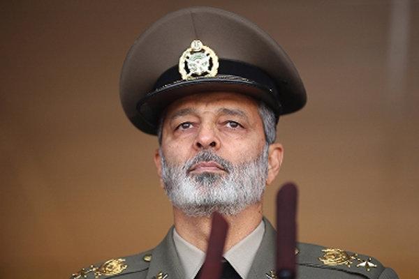 L`Iran ne cherche la guerre avec aucun pays (commandant en chef de l`Armée iranienne)