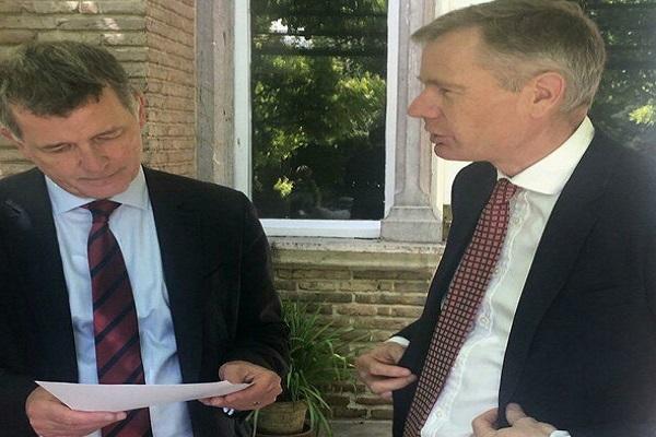 Visite importante du Directeur politique britannique à Téhéran