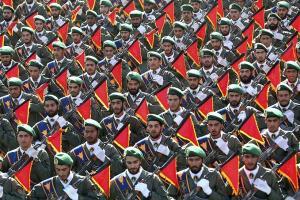 Quel est le devoir de la population vis-à-vis du Corps des Gardiens de la révolution, selon l'Imam Khomeiny (paix à son âme) ?