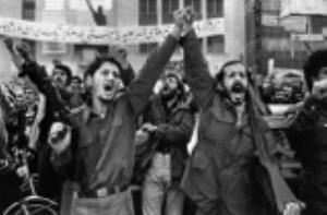 Comment l'Imam Khomeiny révélait-il les conspirations des ennemis ?