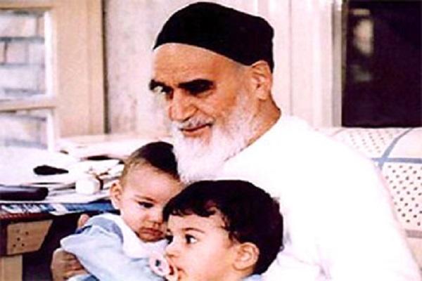 Quelles sont les méthodes correctes pour éduquer les enfants du point de vue de l'Imam Khomeini (paix à son âme)?