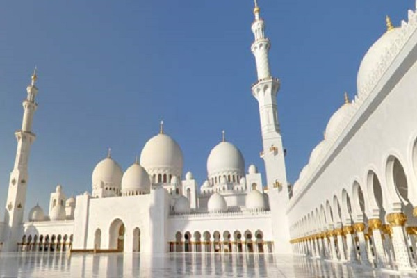 70 000 visiteurs à la grande mosquée d'Abu Dhabi pour l'Aïd Al Adha