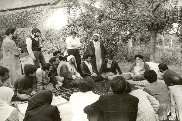 Quleques inédits sur l`émigration de l`Imam Khomeiny à Paris