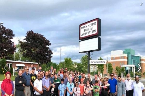Réunions de non musulmans pour protéger une mosquée au Canada