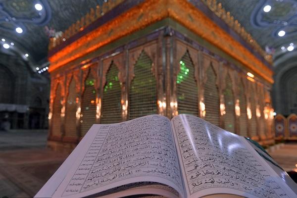 Les cérémonies des nuits du destin dans le mausolée de l'imam Khomeini (paix à son âme).