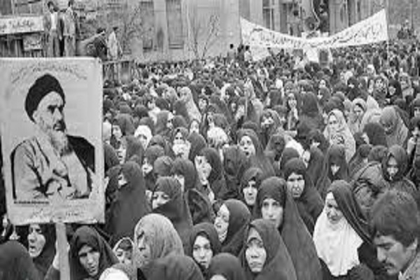 L'imam Khomeini avait demandé à la dame : «les devoirs conjugaux sont-ils plus importants ou les études?»