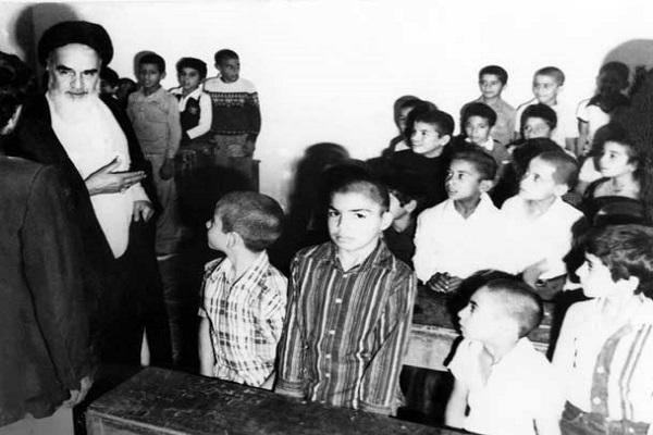 Quelle a été la réponse de l'imam Khomeini à la lettre affectueuse des écoliers ?