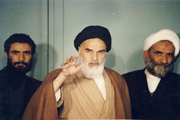 Pourquoi l'Imam Khomeini (paix à son âme) avait-il commémoré la journée du travail et du travailleur?