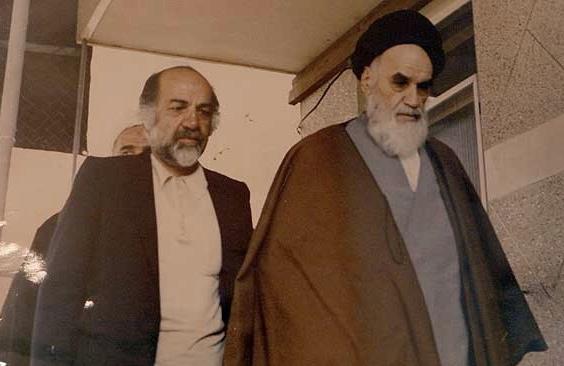 Pourquoi l'imam Khomeini (paix à son âme) après sa sortie de prison avait-t-il estimé que son devoir envers le peuple était lourd?