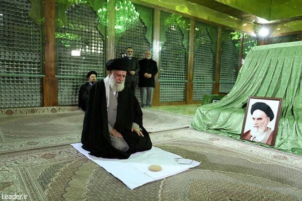 Hommage rendu du Guide suprême au fondateur de la Révolution islamique