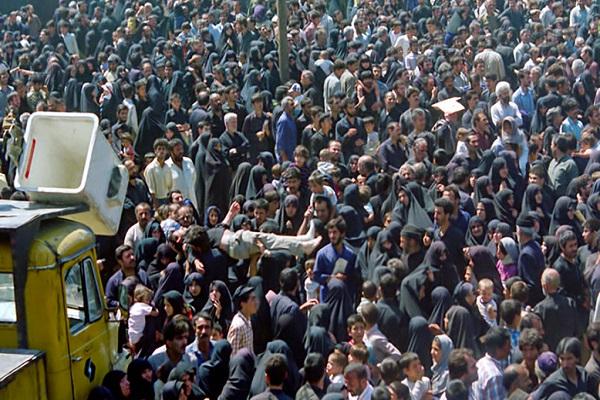 Les images rares des funérailles de l'imam Khomeini