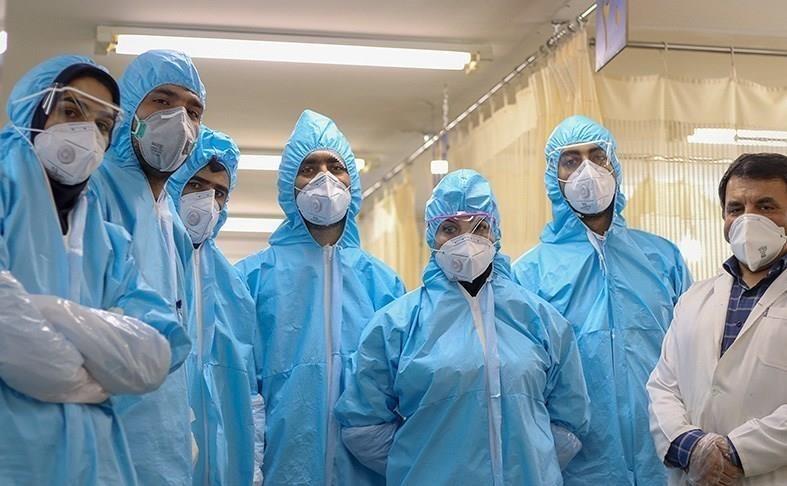 Les conseils de l`Imam Khomeiny aux infirmières et aux médecins concernant leur comportement devant le patient