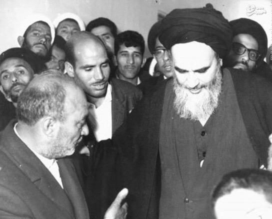 Quel rôle l'exode et la migration des savants religieux à Téhéran avaient-ils joué dans la libéralisation de l'imam Khomeini?
