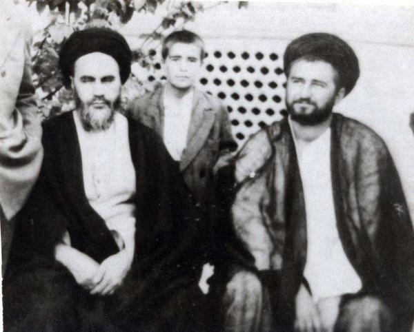 Qui l'imam Khomeini avait-il nommé comme son représentant?