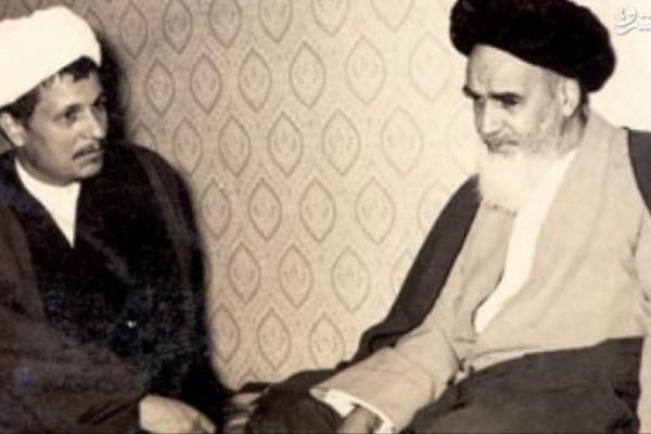 Rencontrer l'imam Khomeini avec un faux passeport :