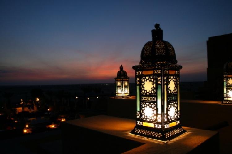 Le mérite de la générosité et de la bienfaisance durant le mois de Ramadan