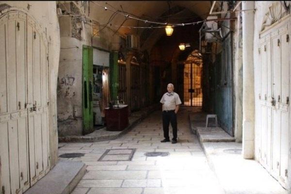 Les sionistes profitent du confinement imposé à la ville de Qods