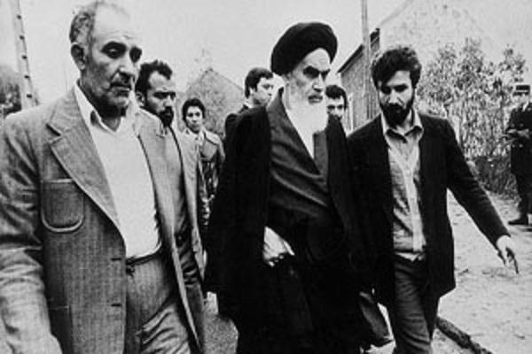 Première partie de l'histoire du retour historique en Iran de l'Imam Khomeini (paix à son âme) :