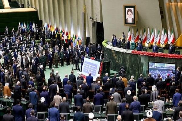 Couverture médiatique étrangère de la cérémonie d`investiture du nouveau président iranien
